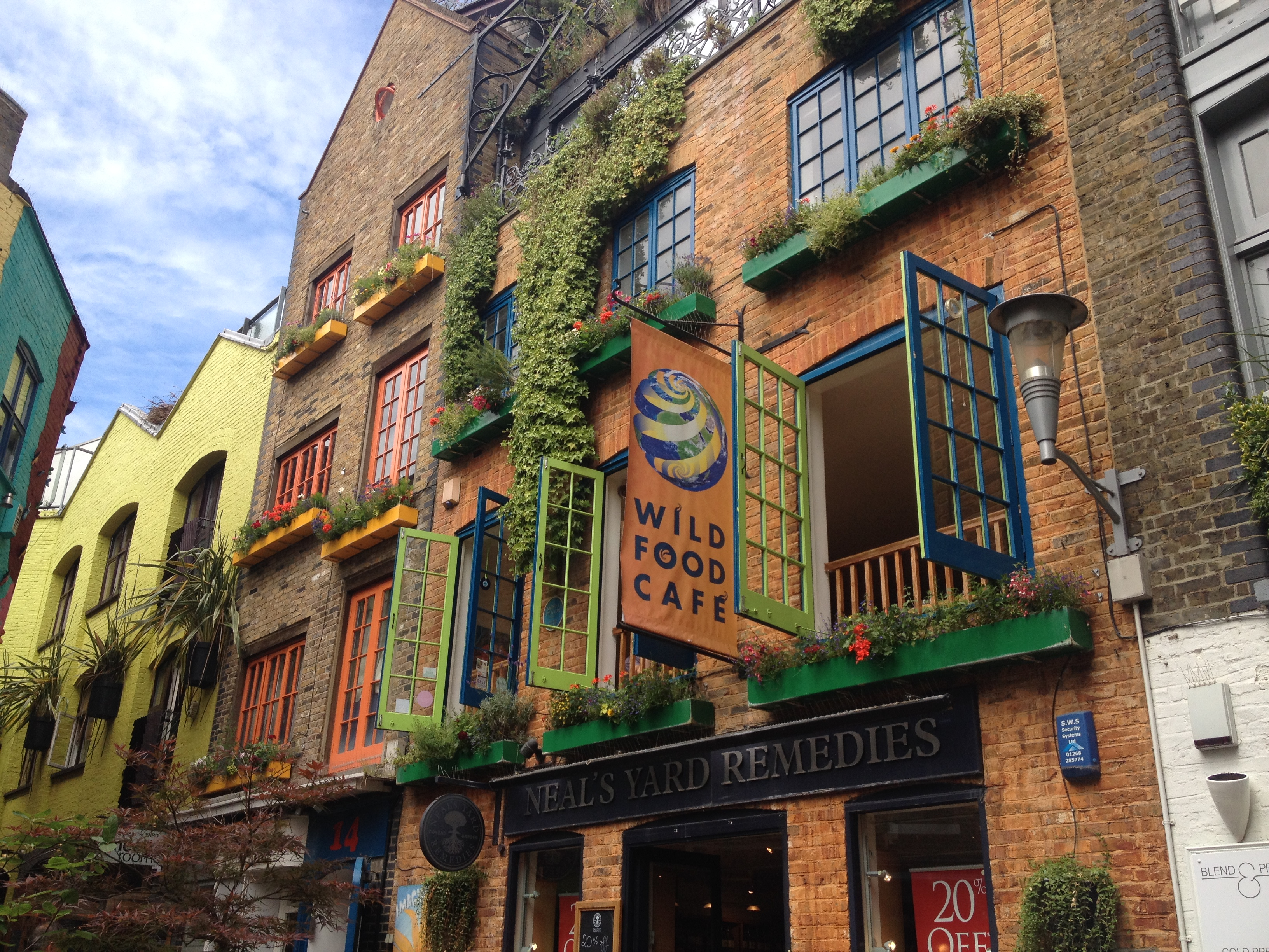 A hidden part of Covent Garden, Neal\'s yard! | Dear Mom, I Live in ...